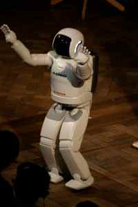 Asimo acknowledging his audience